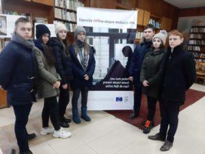 """Expoziția organizată în cadrul proiectului """"Ridicarea gradului de conștientizare față de fenomenul exploatării sexuale și abuzului sexual față de copii în mediul online în Republica Moldova"""""""