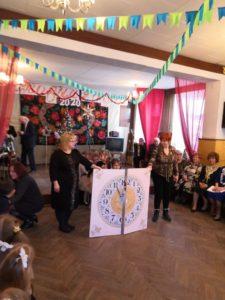 дошкольники УРО № 20 традиционно посетили Муниципальный Клуб Ветеранов.